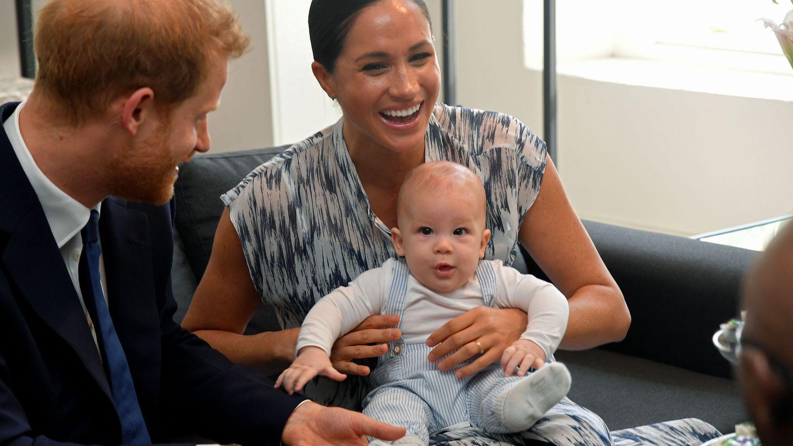 Foto: Harry y Meghan con el pequeño Archie. (Reuters)