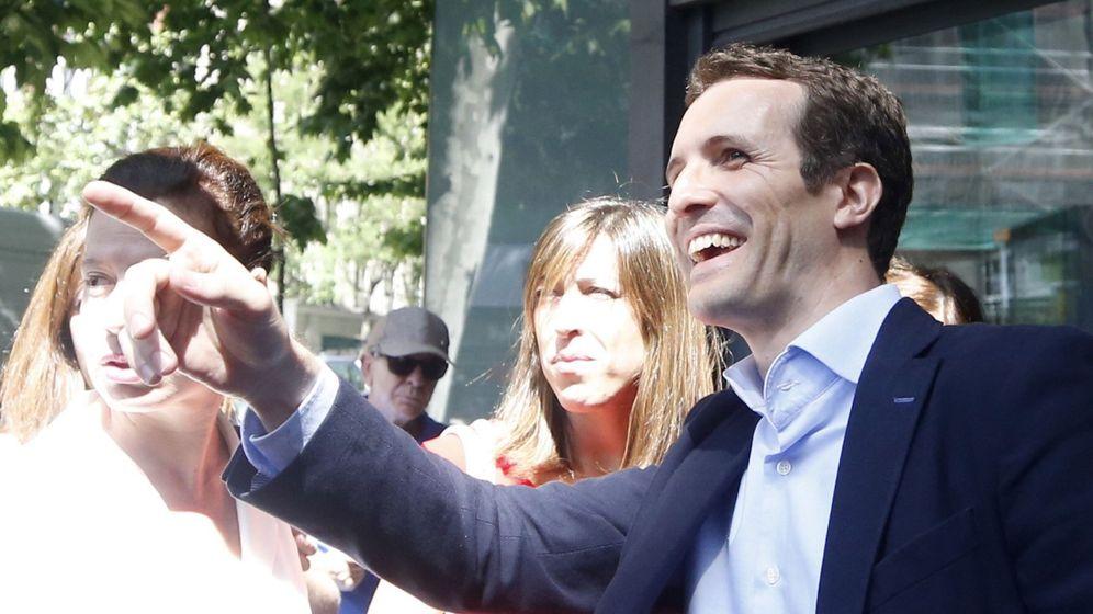 Foto: Pablo Casado, a su llegada este lunes a la sede del PP. (EFE)