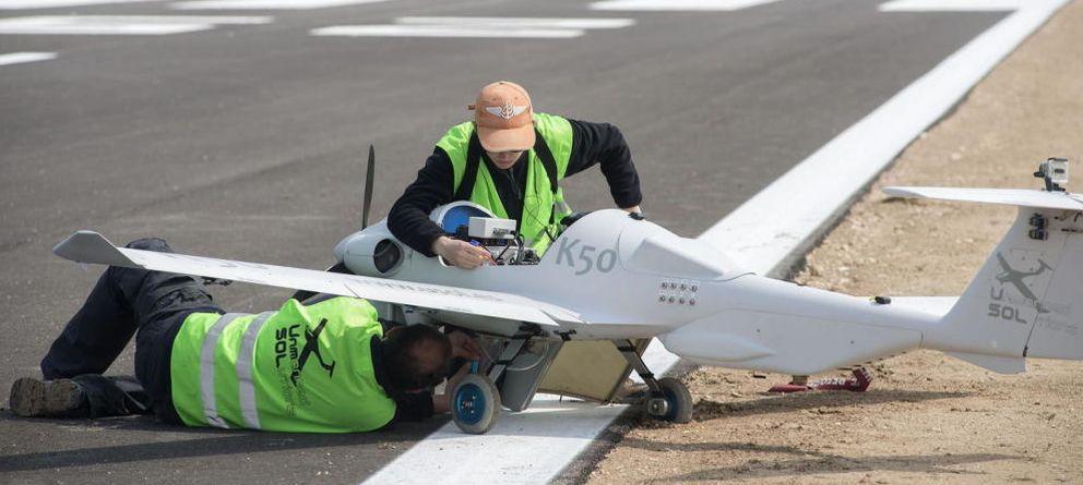 Foto: El Gobierno exhibe una lista de drones inútiles para avalar el aeródromo de Doñana