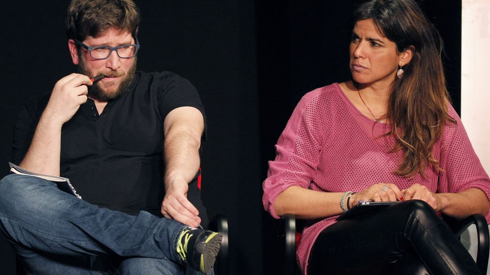 Foto: El eurodiputado Miguel Urbán y la secretaria general de Podemos en Andalucía Teresa Rodríguez, en un acto de Anticapitalistas. (Efe)