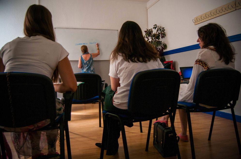Foto: Una clase de preparación de opositores. (Carmen Castellón)