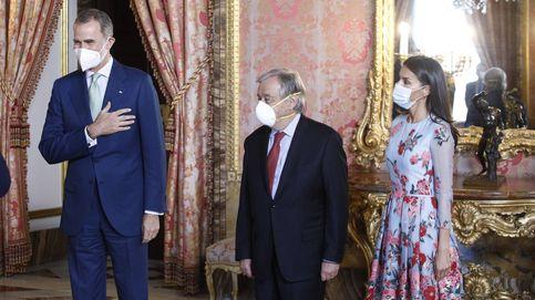 El vestido naíf de la reina Letizia para un gran almuerzo en el Palacio Real