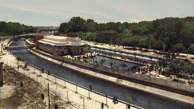 La Isla tenía tres piscinas, dos al aire libre, y el conjunto simulaba un barco.