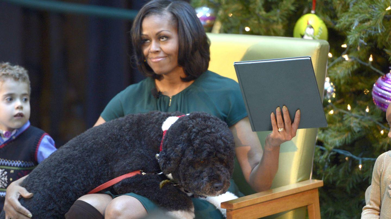 Michelle con Bo. (Reuters)