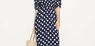 Post de Cuando podamos salir a la calle, querrás hacerlo con este vestido de lunares de Oysho