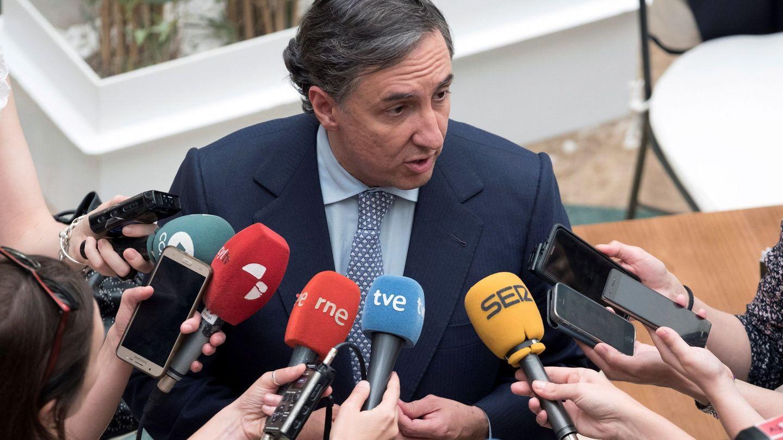 José Ramón García Hernández presenta su candidatura para presidir el PP. (EFE / Raúl Sanchidrián)