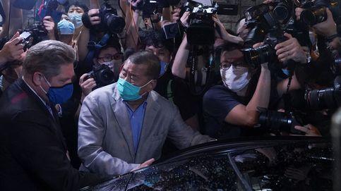 El magnate hongkonés de los medios Lai y varios activistas salen en libertad bajo fianza