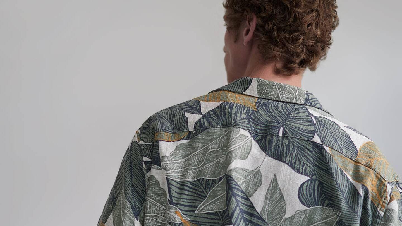 Camisa tropical de Zara. (Cortesía)