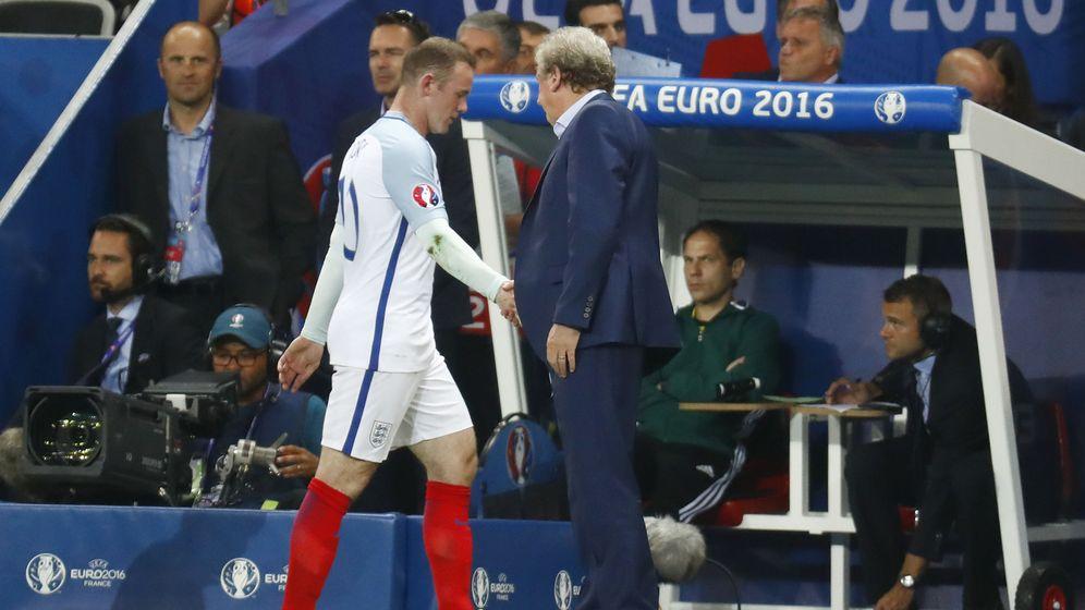 Foto: Rooney fue uno de los sustituidos por Hodgson en el partido contra Islandia (Kai Pfaffenbach Livepic/Reuters)
