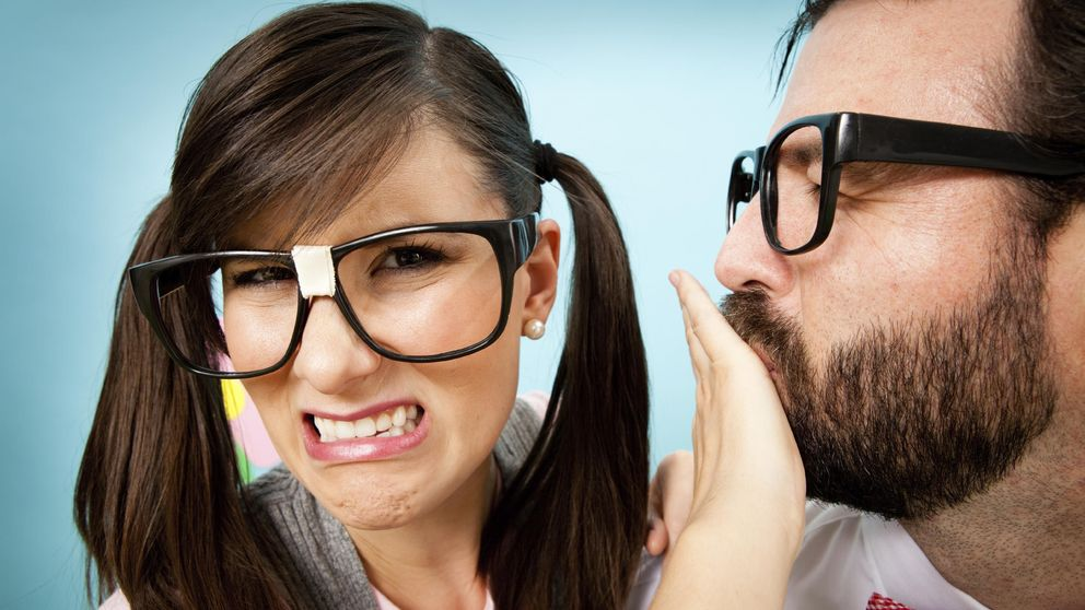 Esta es la razón por la que te huele el aliento (y cómo acabar con el problema)