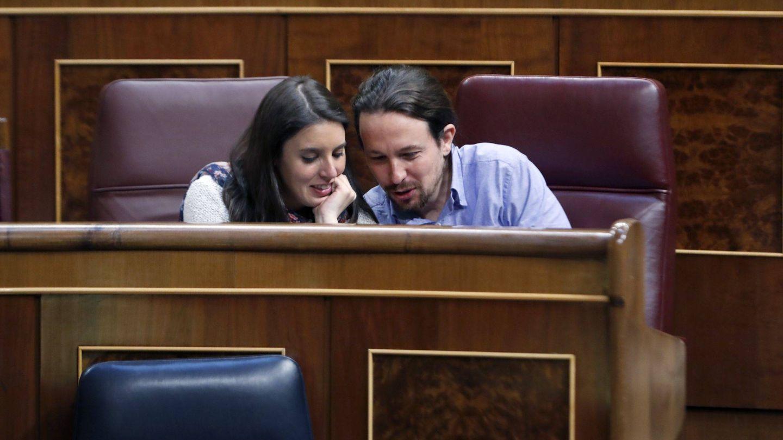 Los dos políticos, en el Congreso de los Diputados. (EFE)