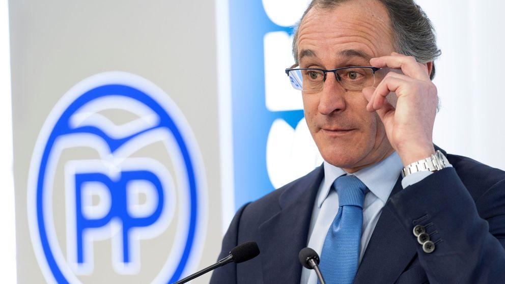 Alonso afirma no haber hablado de listas con Cs y querer mantener las siglas del PP