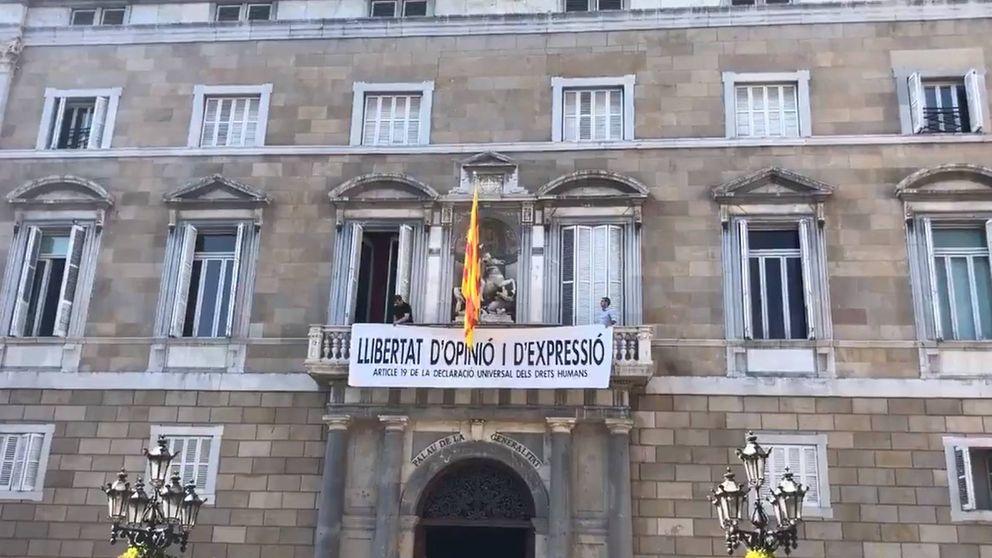 Quim Torra cuelga otra pancarta en el Palau: Libertad de opinión y expresión