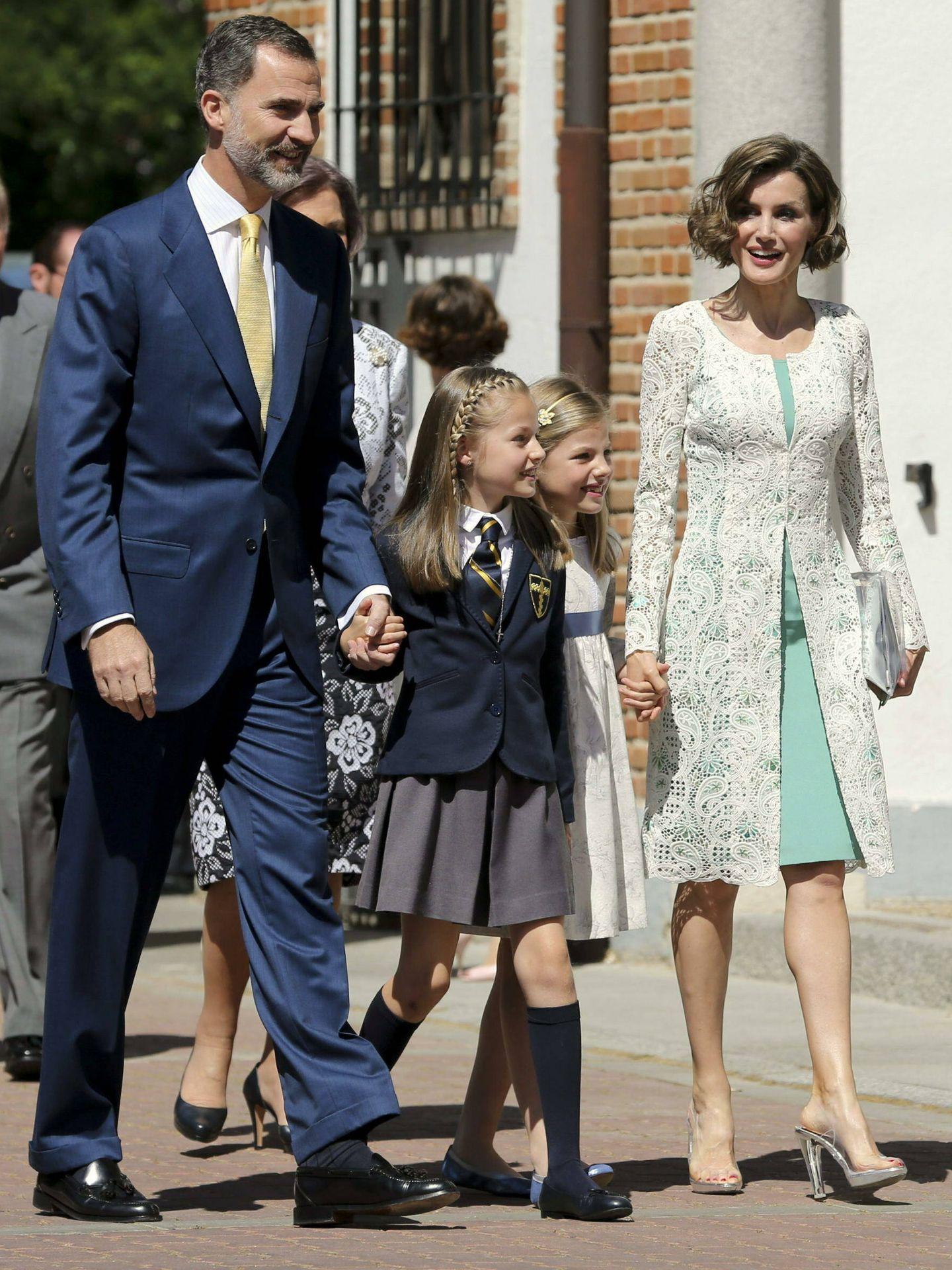 La reina Letizia, con zapatos de vinilo en la primera comunión de la princesa Leonor. (EFE)