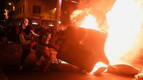 Casado pide al Govern parar los disturbios y Arrimadas los achaca a UP y el separatismo