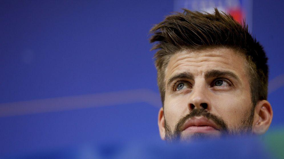 Foto: Gerard Piqué durante la rueda de prensa previa al partido ante Italia (EFE)