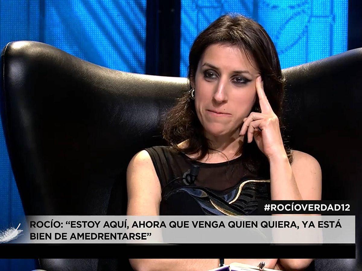 Foto: La periodista Ana Bernal-Triviño, en 'Rocío. Contar la verdad para seguir viva'. (Mediaset)