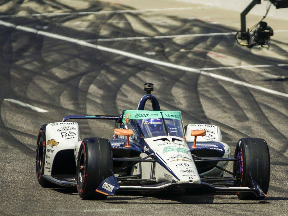 Foto: Fernando Alonso sufrió un problema mecánico que condiciona la carrera, pero nunca estuvo delante (EFE)