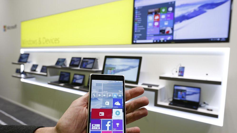 Foto: Un 'smartphone' con Windows 10 para móviles (Foto: REUTERS/Morris Mac Matze)