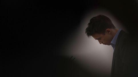 A Íñigo Errejón, la noche le confunde: copas y besos con una rubia desconocida