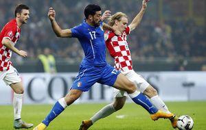 Croacia perdona a Italia el día que sus hinchas emborronaron el fútbol