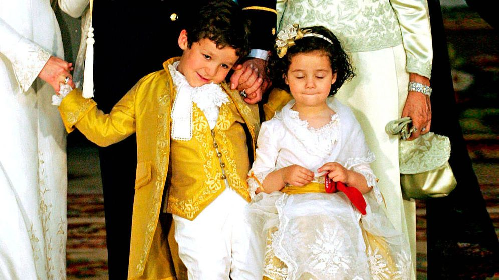 Foto: Felipe y Victoria Marichalar, en un momento de la boda de Felipe y Letizia. (Reuters)