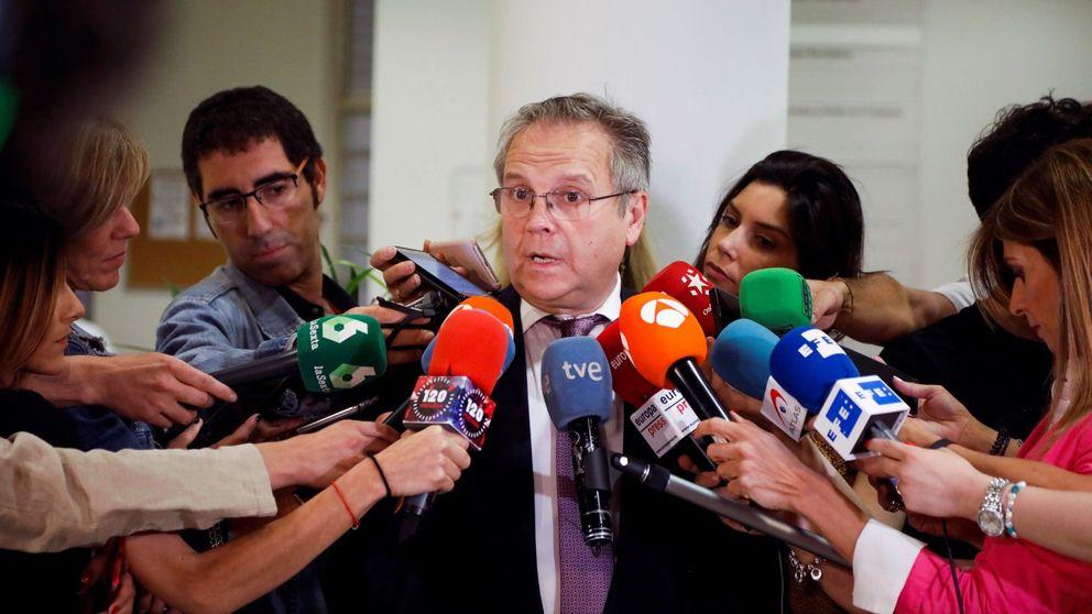 Carmona (PSOE) persigue a un supuesto maltratador por robar el móvil a su exnovia