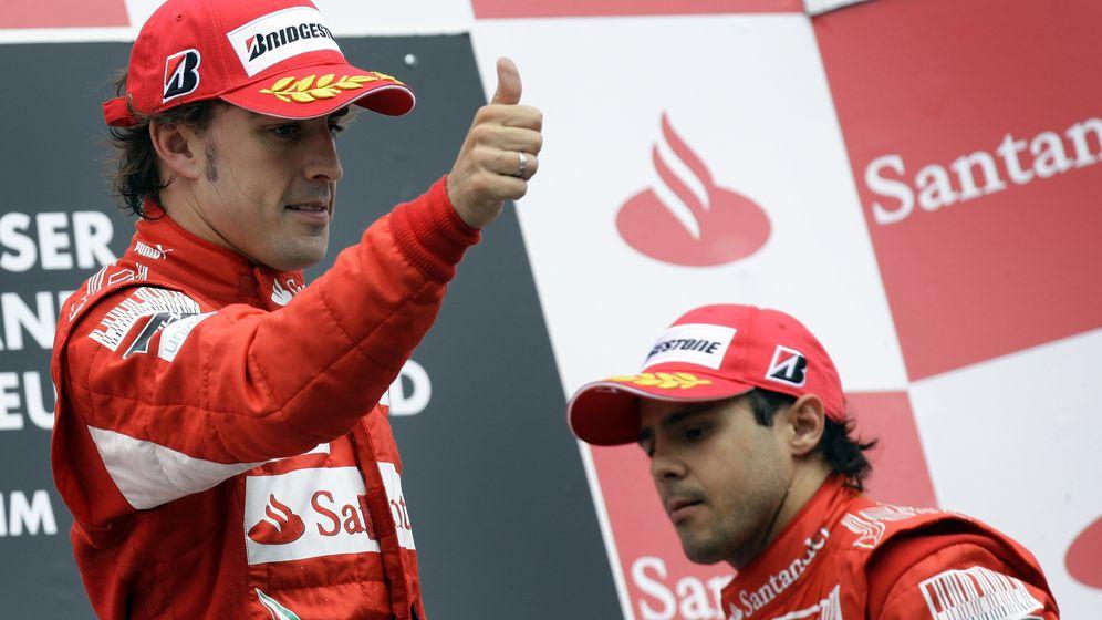 Foto: Alonso y Massa en el podio del GP de Alemania de 2010.