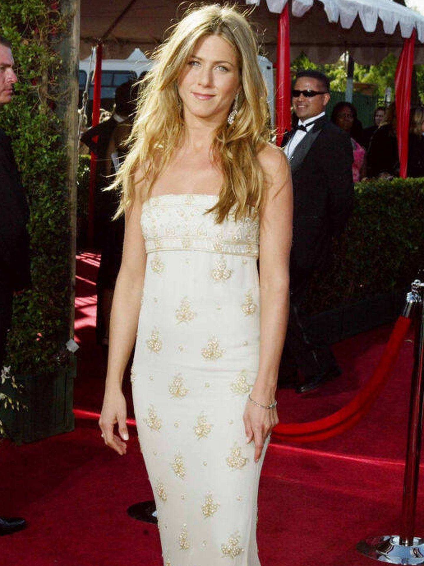 Jennifer Aniston en los Premios Emmy 2004. (Getty Images)