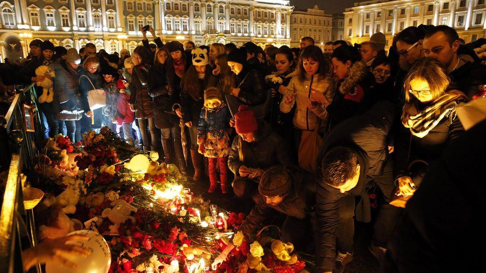 El Kremlin y la compañía del avión no excluyen la posibilidad de un atentado
