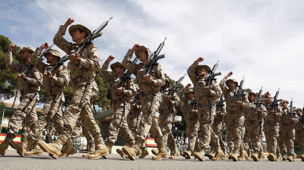Foto: La legión despide en Llmería a la primera unidad española que partirá a Mali