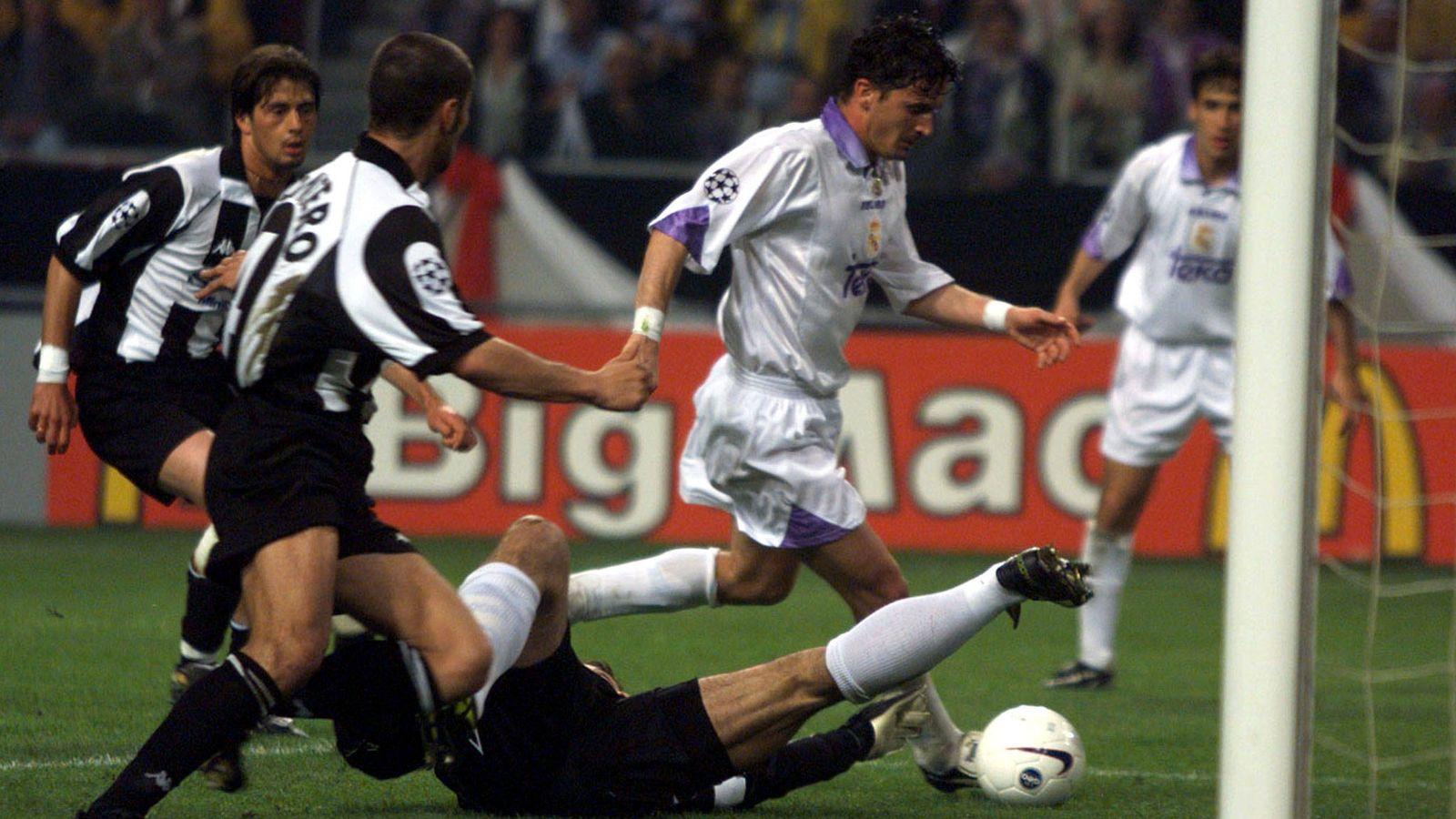 Foto: Pedja Mijatovic instantes antes de marcar el gol que dio la Séptima al Real Madrid (Reuters)