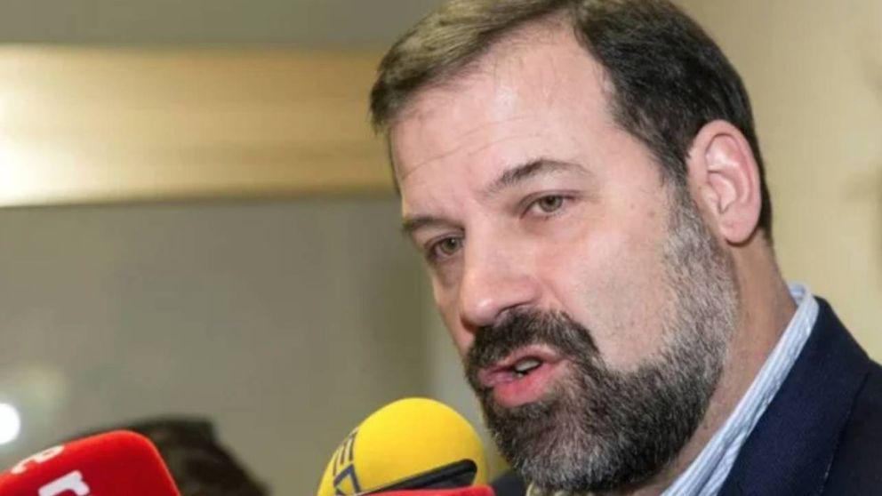 Las risas que Alfonso Reyes castiga del Gobierno y otro azote contra Pedro Sánchez