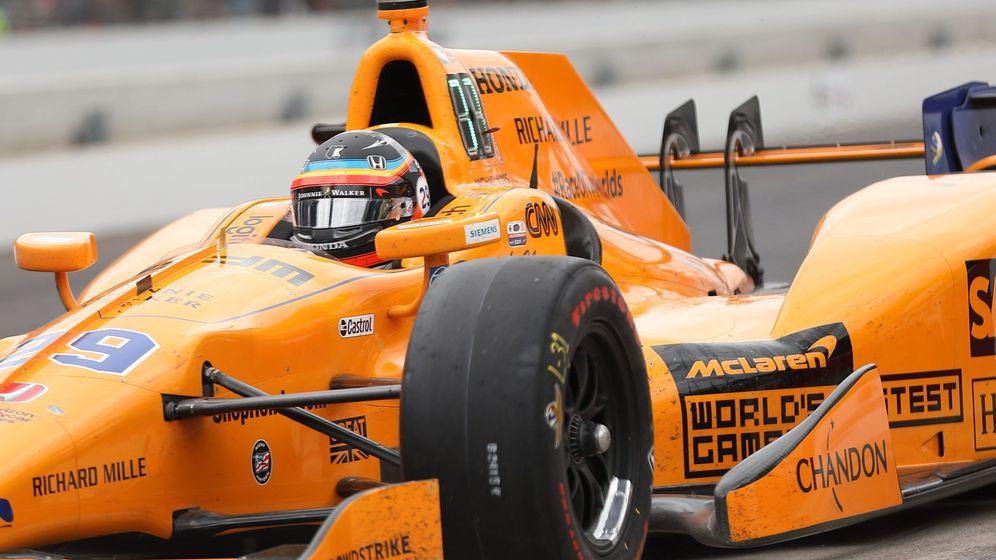 Foto: En 2017, Fernando Alonso pilotó un monoplaza con motor Honda, en aquel momento socio de McLaren en F1. (EFE)