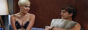 Foto: Miley Cyrus, en la cama con Ashton Kutcher