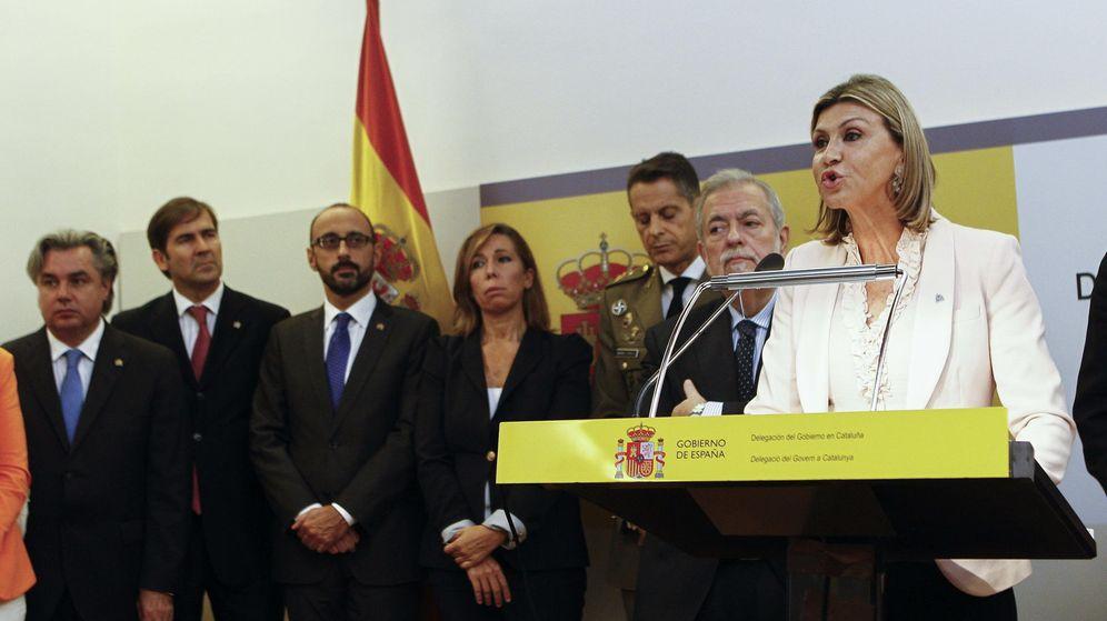 Foto: La delegada del Gobierno en Cataluña, Llanos de Luna (d). (EFE)