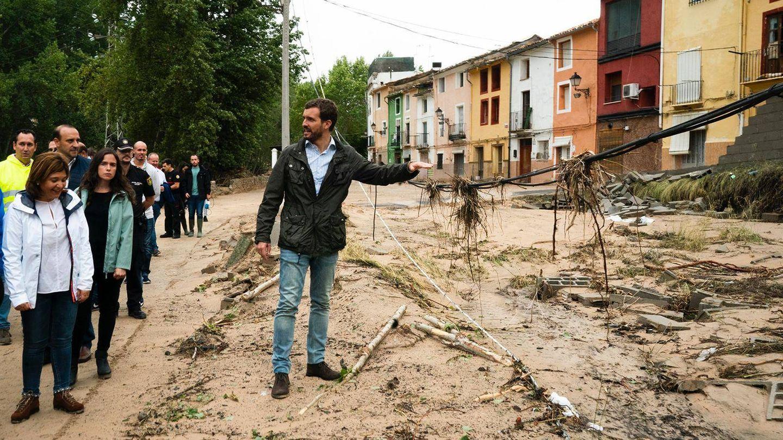 Pablo Casado visita zonas afectadas en Valencia