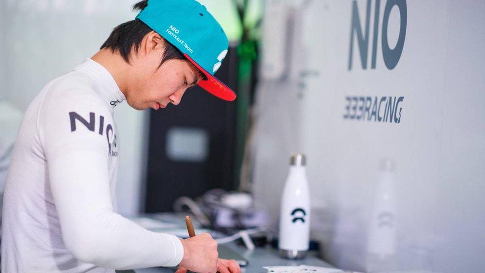 Foto: El piloto chino Ma Quing Hua compite en la Fórmula E con el equipo chino Nio333