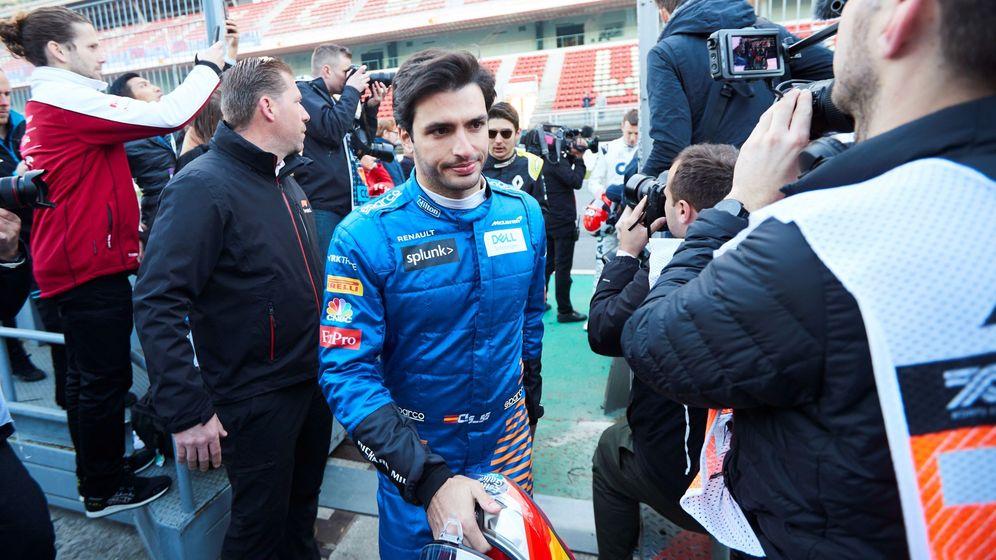 Foto: Carlos Sainz, durante los test de pretemporada en Montmeló. (EFE)