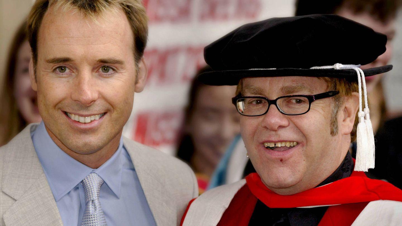 David Furnish y Elton John. (Getty)