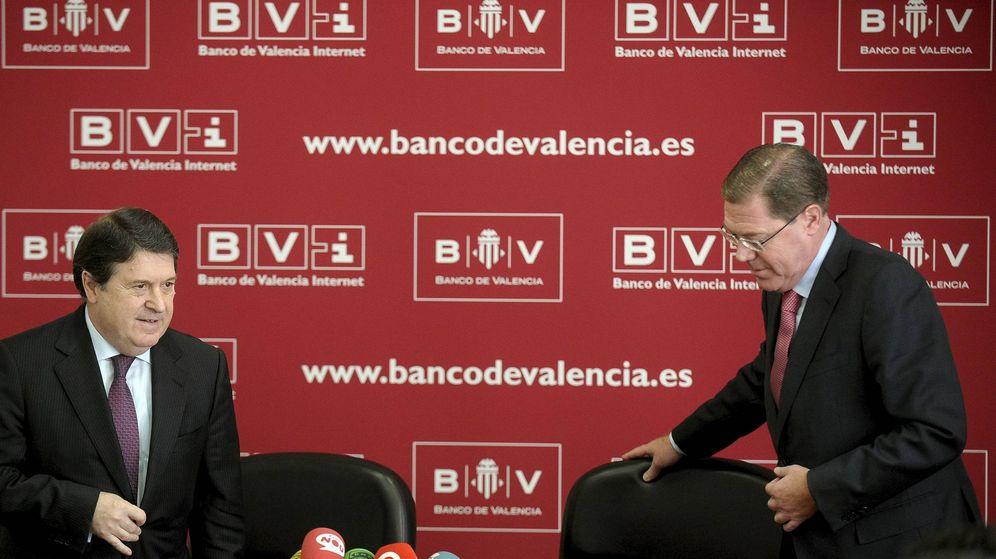 Foto: El presidente del Banco de Valencia, José Luis Olivas (i), y el consejero delegado, Domingo Parra (d).