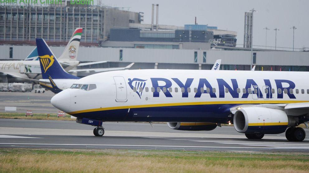 Al menos 33 hospitalizados por un descenso de emergencia en un vuelo de Ryanair