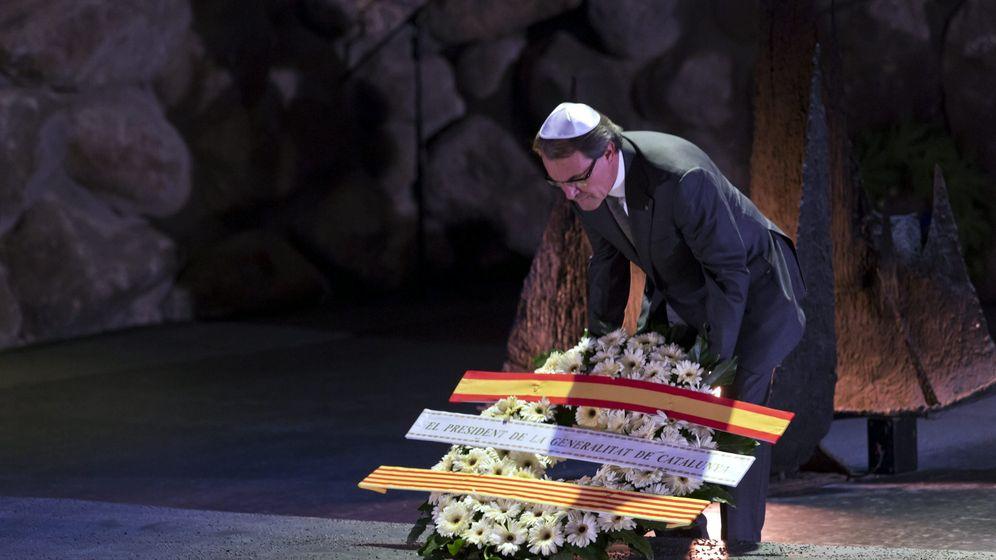 Foto: Fotografía de archivo del expresidente de la Generalitat de Cataluña Artur Mas en el Museo del Holocausto. (EFE)