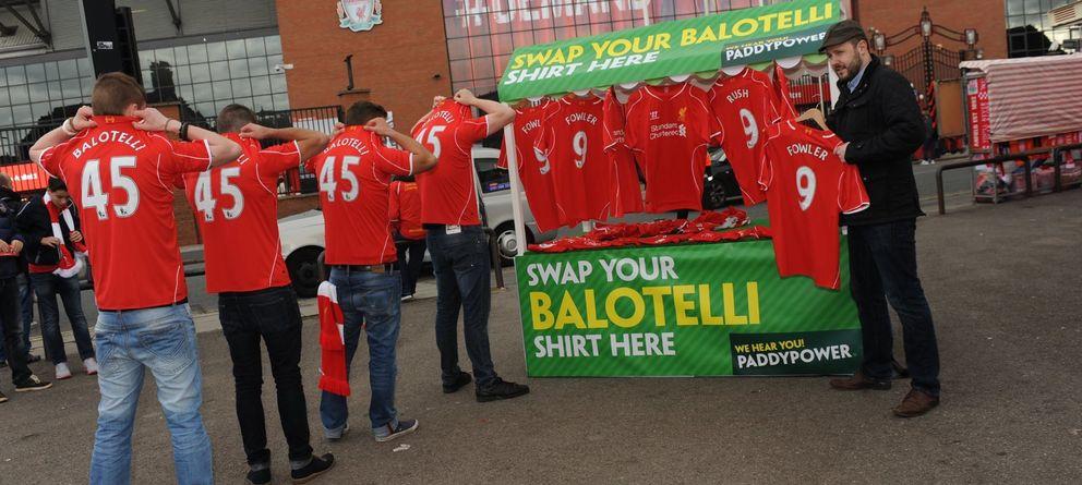 Devuelve tu camiseta de Balotelli y te damos una de Robbie Fowler o Ian Rush