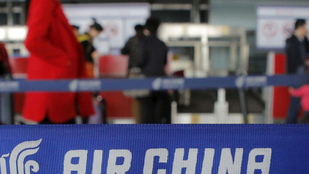 Foto: El logotipo de la aerolínea Air China en el Aeropuerto Internacional de Pekín, en China. (Reuters)