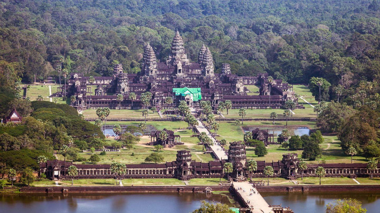 Angkor Wat, rodeado por su característico foso. (iStock)