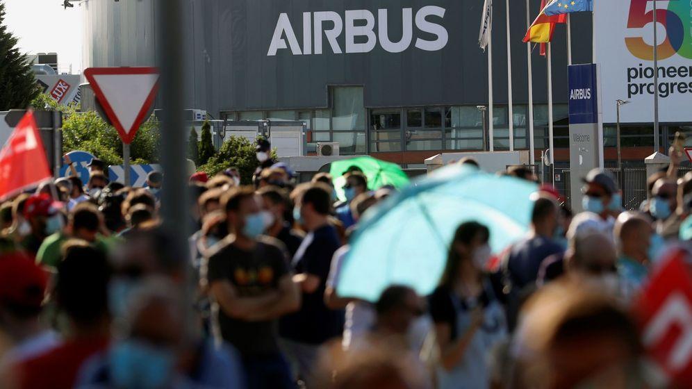 Foto: Protestas ante la fábrica de Airbus en la localidad madrileña de Getafe. (EFE)