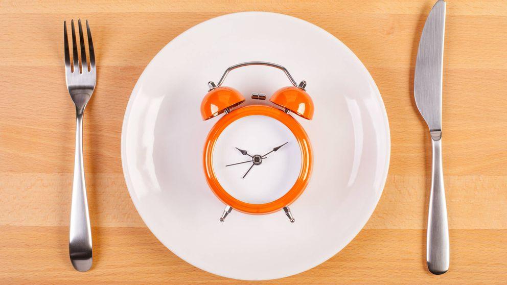Adiós al desayuno: lo que ahora se lleva es hacer 2 comidas al día