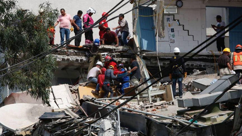 Más de 40 edificios se han derrumbado (Agencias)
