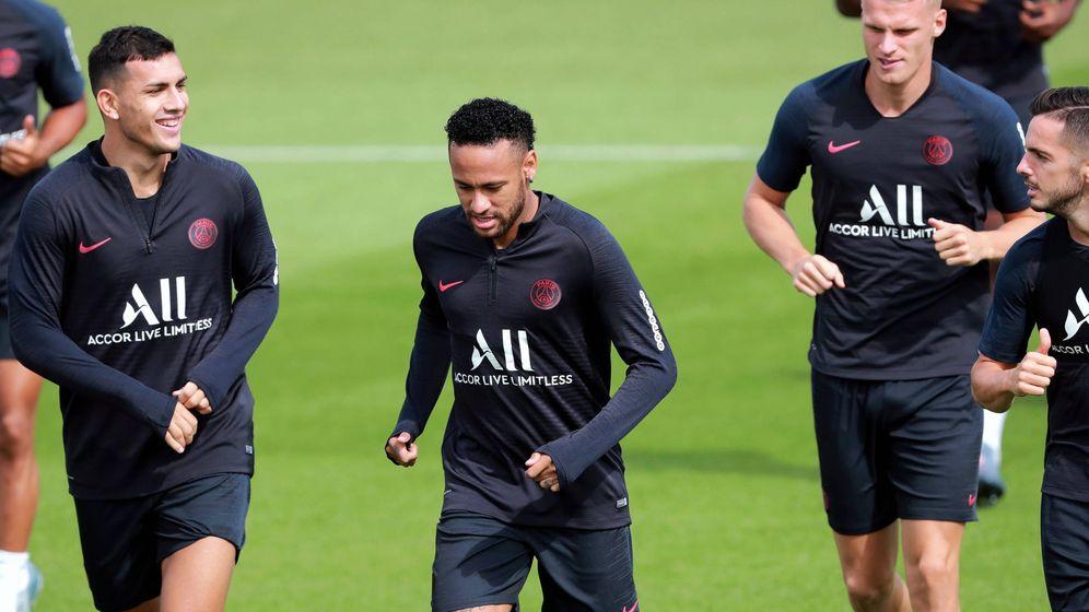 Foto: Neymar, durante una reciente sesión de entrenamiento con el PSG. (EFE)